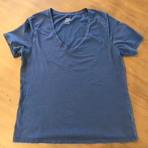 Lot of 3 Old Navy Petite Relaxed V-Neck Tees.